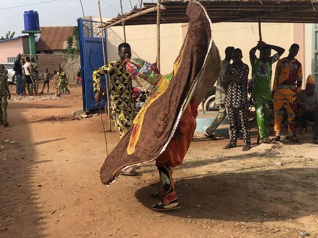Danza del Egúngún en Porto-Novo (Benín)