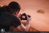 Giocando con le luce ed ombre sulla sabbia del deserto