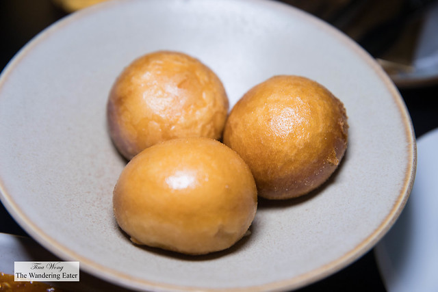 Fried mantou served with the chili crab