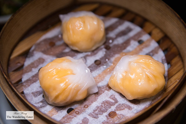 Scallop and Sea Urchin Har Gow 扇贝海胆虾饺