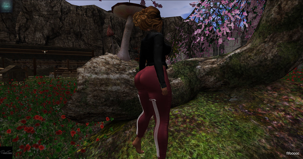 DarkFire Clara Leggings & .EscalateD. Rotten Egg Hunt