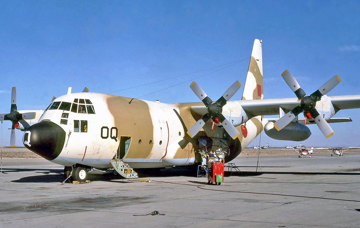 RC-130H SLAR 40673260013_4f6efa9bdb_o