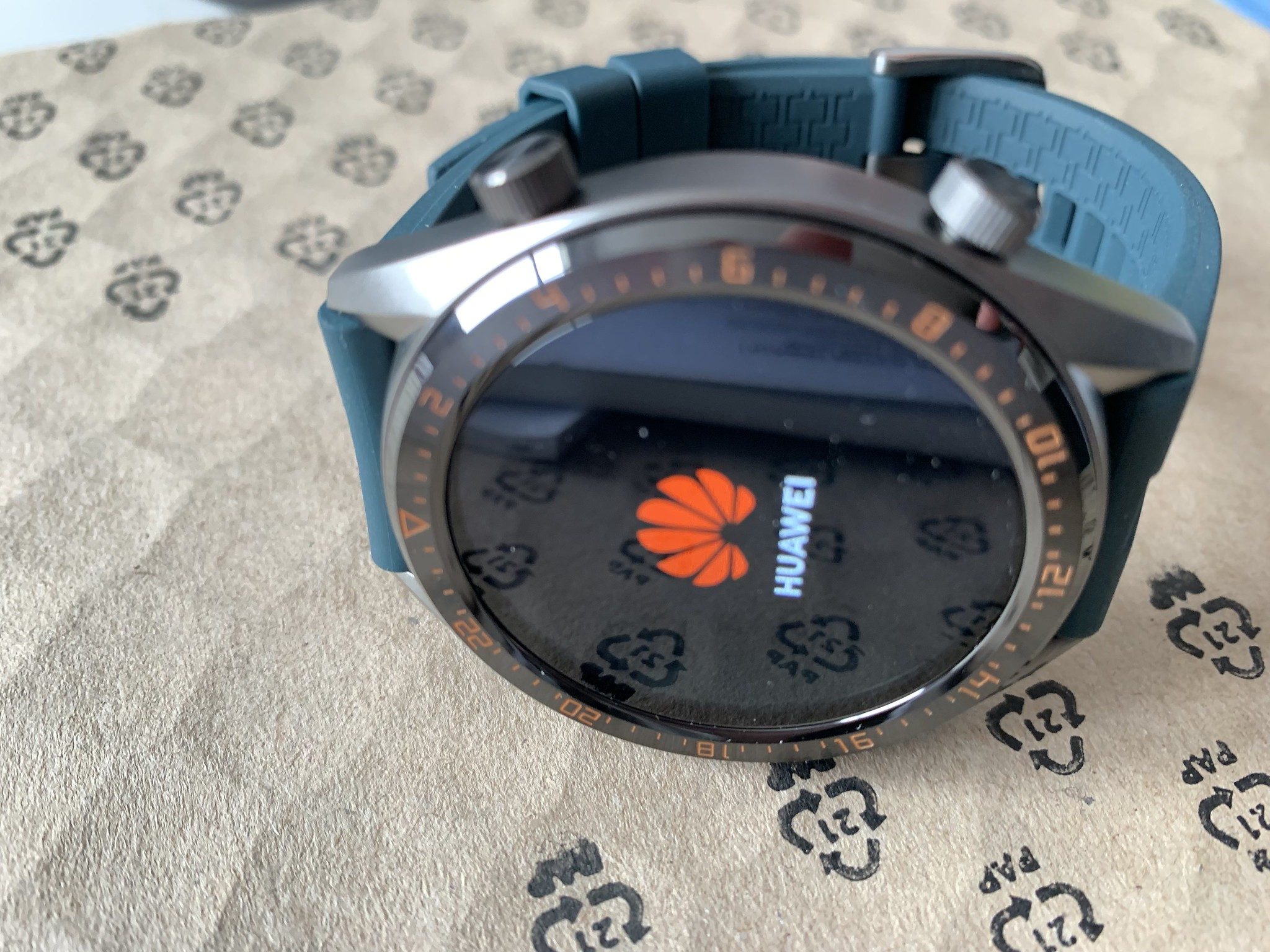 Huawei Smartwatch 2 Classic and Sport