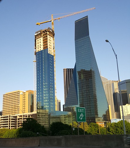 AMLI Fountain Place, under construction, Downtown Dallas, 04-14-19 | by skys the limit2