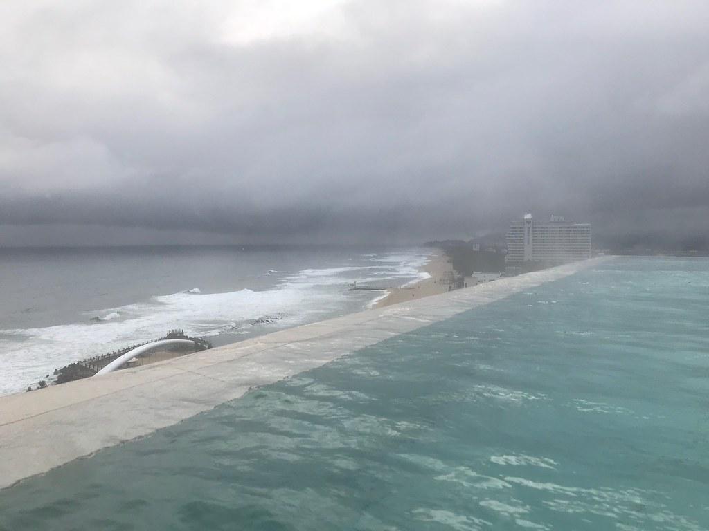 Seamarq pool
