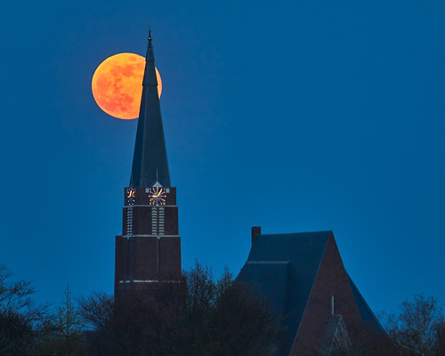 rural church moon fullmoon moonrise trees clock evening sky twilight night bluehour canon 7dmarkii ef70200mmf4l ef14x netherlands andijk ijsselmeer