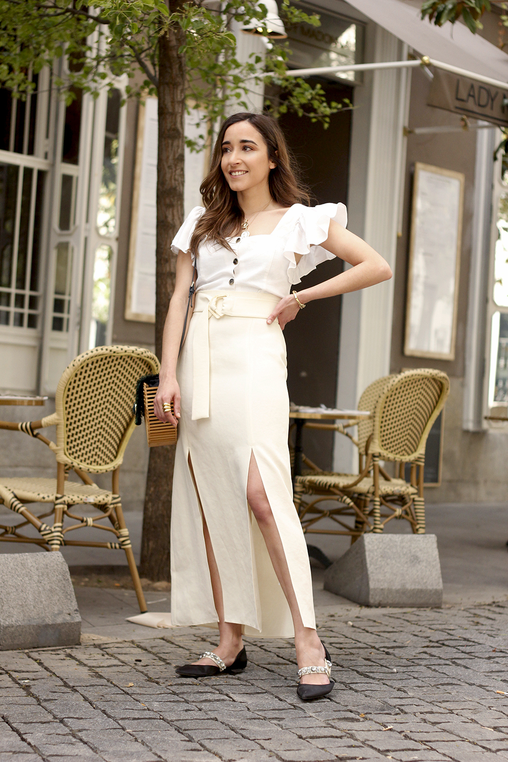 white linen skirt street style spring outfit4