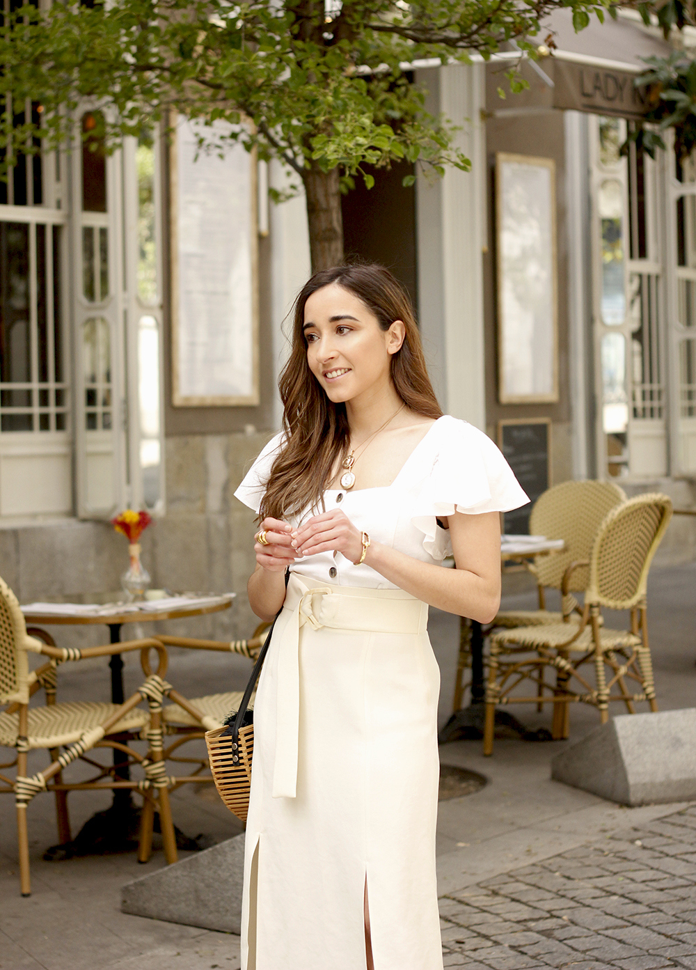 white linen skirt street style spring outfit14