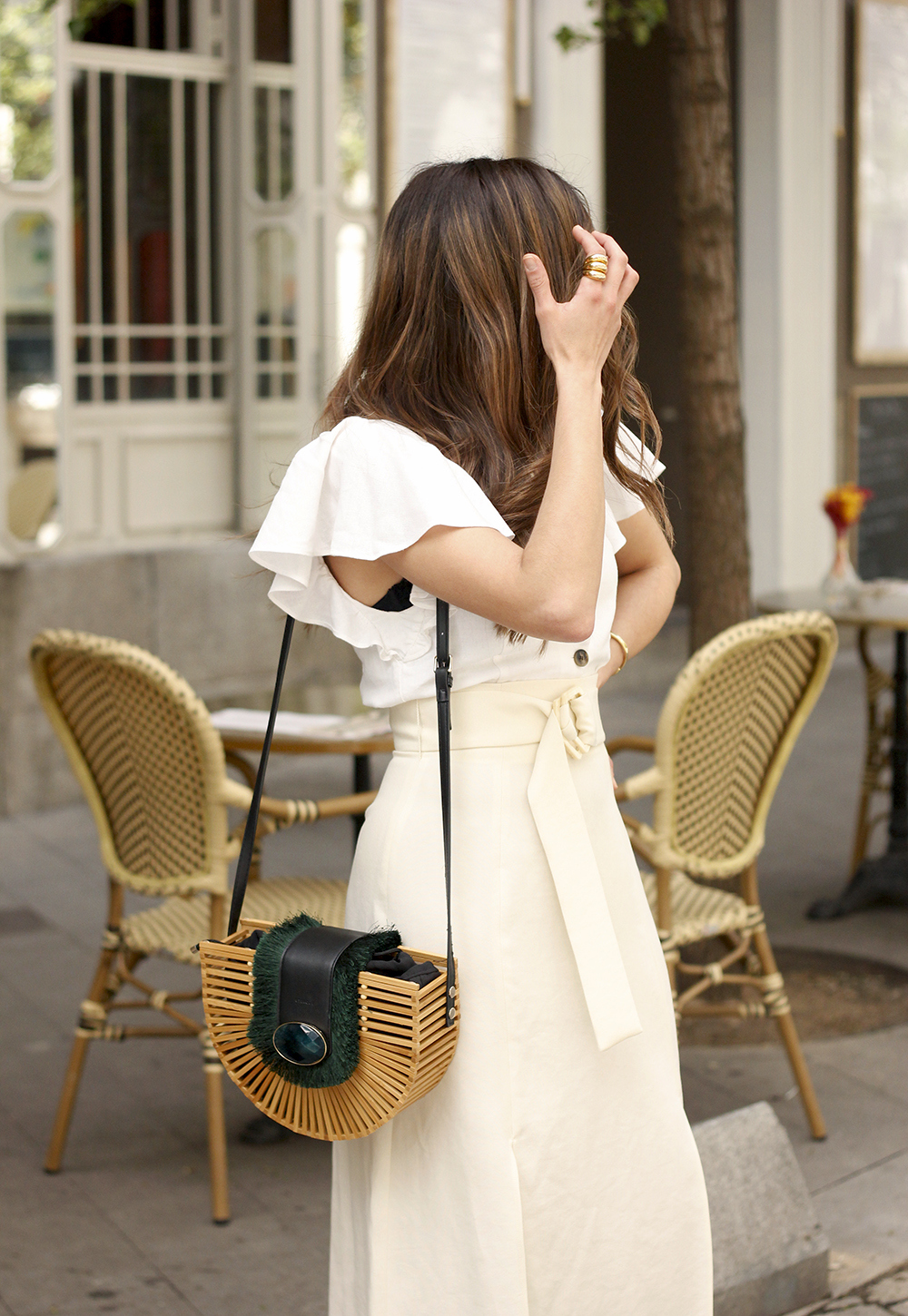 white linen skirt street style spring outfit9