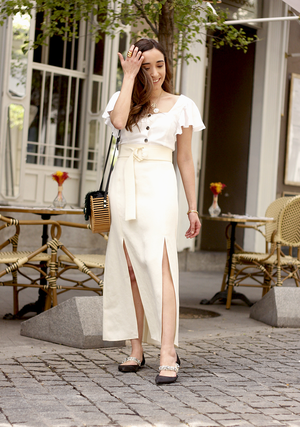 white linen skirt street style spring outfit7