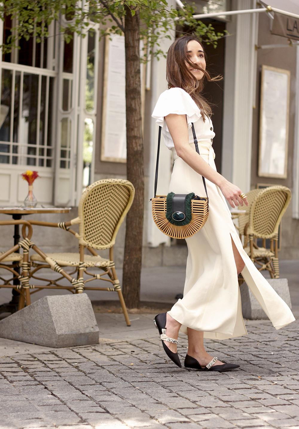 white linen skirt street style spring outfit5