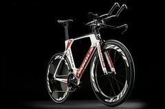 Jak se vyrábí triatlonový speciál Pardus Gomera TRI