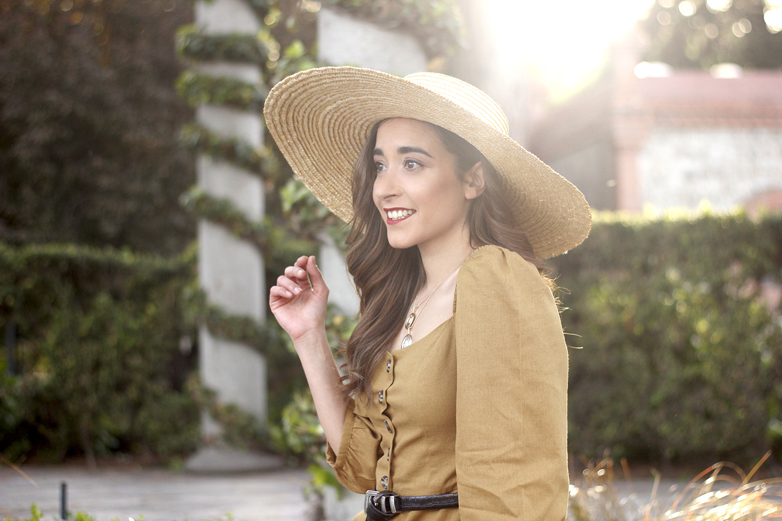 khaki linen dress black sandals straw hat street style spring outfit8