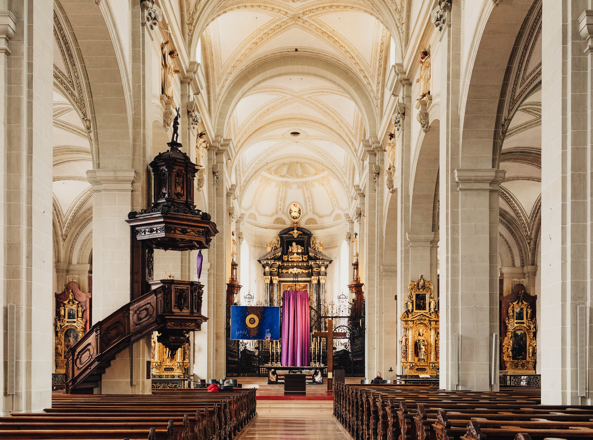 Inside the Church of St. Leodegar
