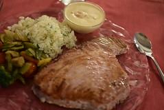 At�n con arroz, vegatables y salsa de cava - El Nino