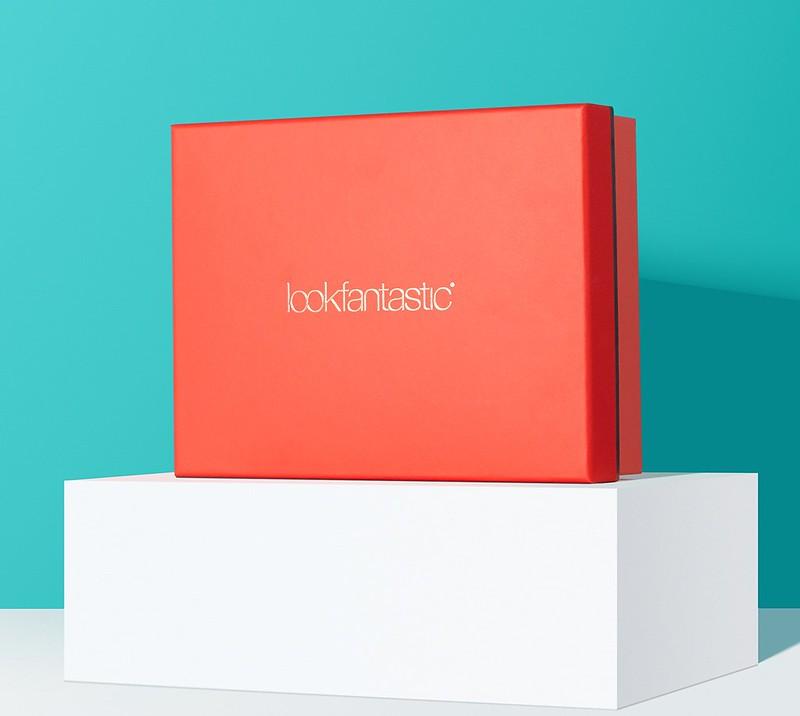 Lookfantastic Beauty Box May 2019 - наполнение 328510606-EF-LFBB-May-Onsite-Shot1-1200x1200