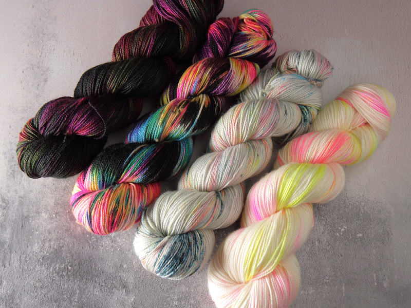 Hand dyed yarn skeins in a fade
