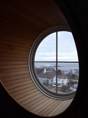 window portal porthole view crosshairs napatree beach watchhill rhodeisland wood round perspective oceanhouse