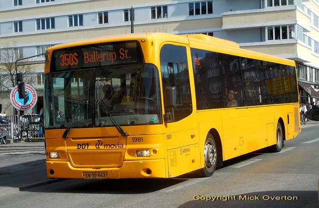 1st day in service from Ejby garage 12m 2009 Volvo B7RLE Arriva 1981 covers for defective route 350S 13.7m blue corner bus