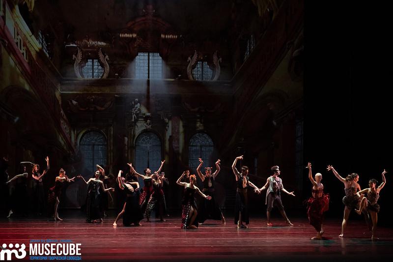 """Российская Федерация, Санкт-Петербург, Александринский театр, Международный фестиваль балета Dance Open, балет Дортмунда """"Алиса"""" по мотивам произведений Льюиса Кэрролла."""