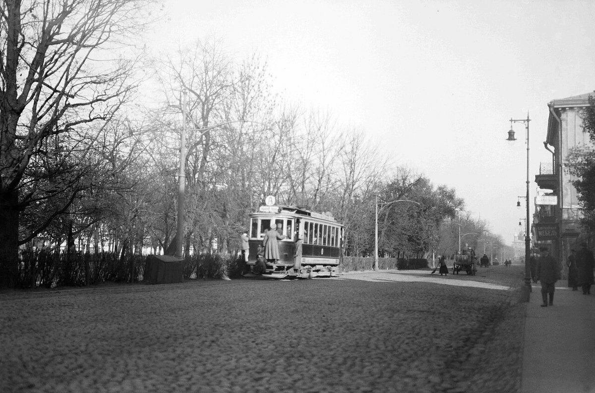 Тверской бульвар. 1917