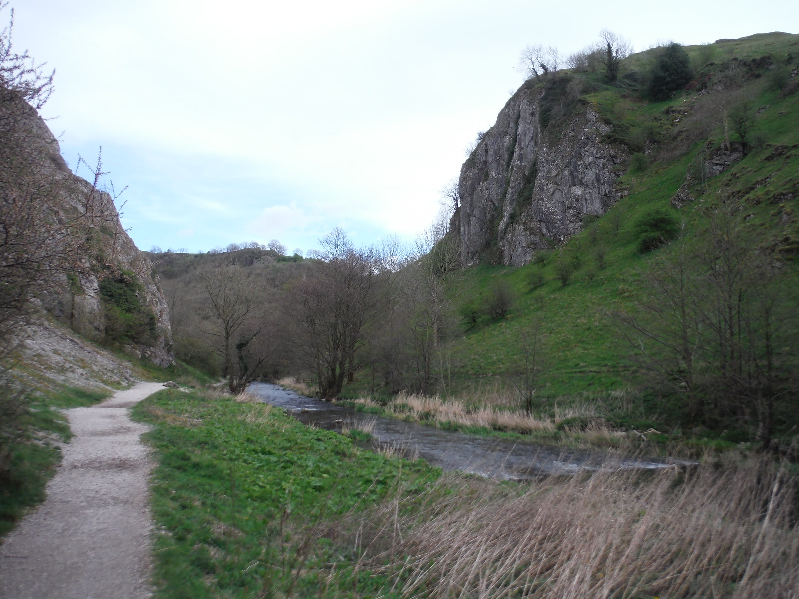 Upper Dovedale SWC Walk 326 - Dovedale (Ashbourne Circular) [Long Version via Alstonefield]