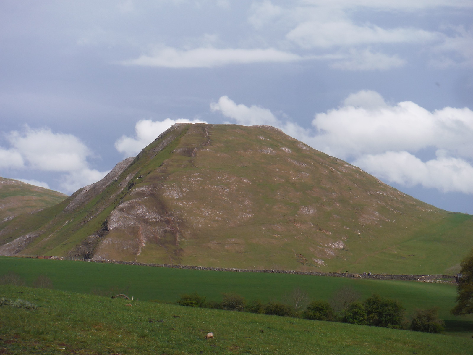 Thorpe Cloud from field above Izaak Walton Hotel SWC Walk 326 - Dovedale (Ashbourne Circular)