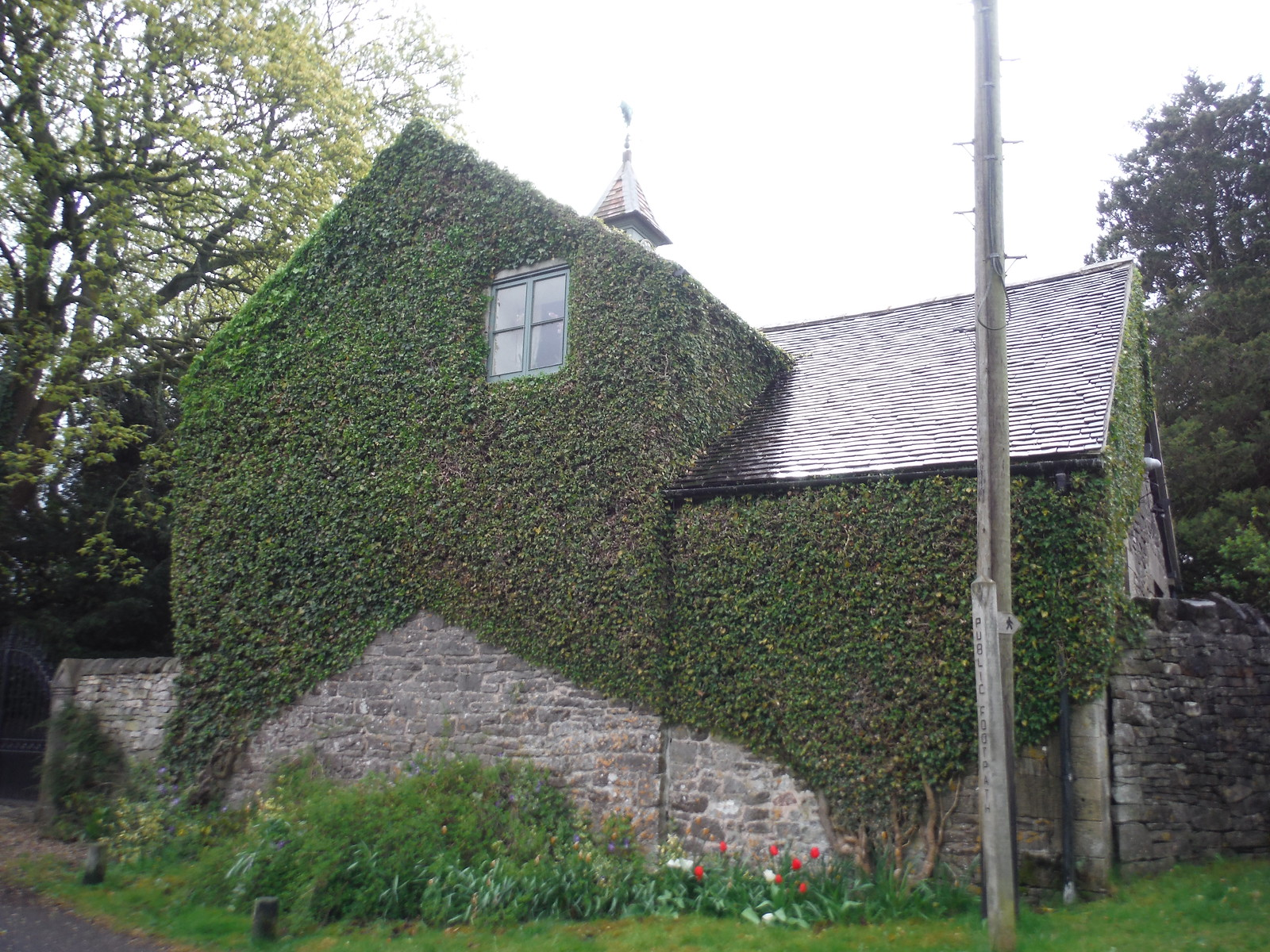 House in Thorpe SWC Walk 326 - Dovedale (Ashbourne Circular)