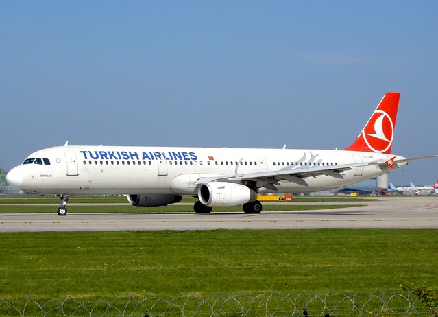 Turkish Airlines Airbus A321-231 TC-JRR