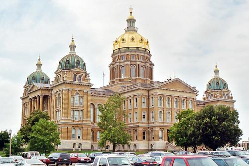 architecture governmentbuilding capitol statecapitol historical renaissancerevival desmoines iowa unitedstates