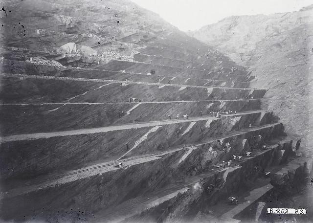 Quang Ninh (province) 1920-1929 – Hon Gay - Les mines à ciel ouvert, les gradins