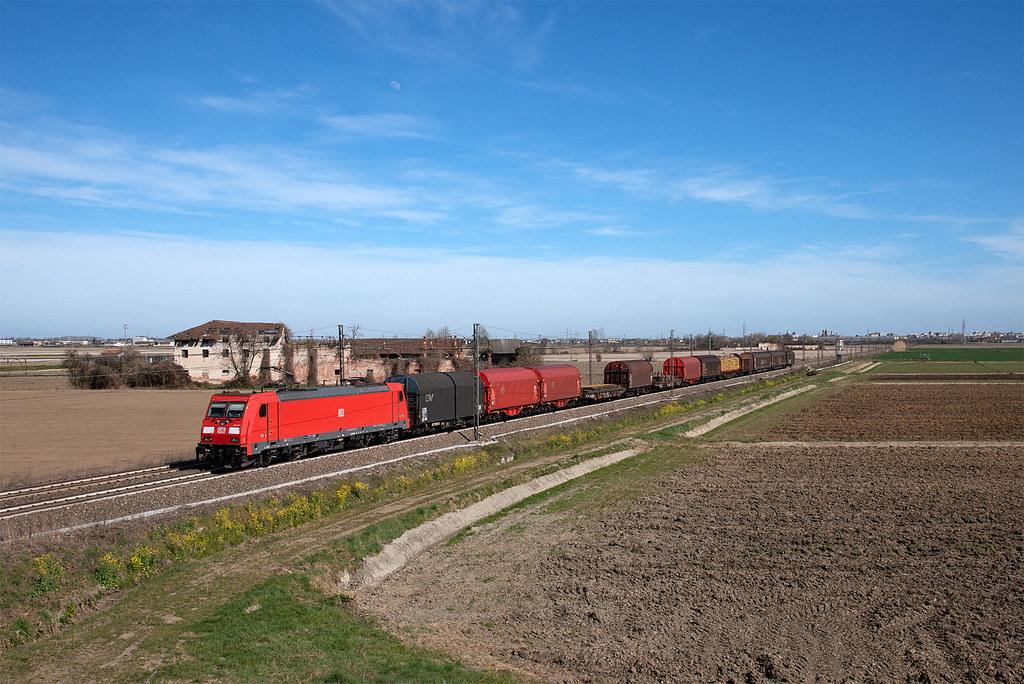 E 483 107 db cargo italia mri 46598 chiasso for B b italia carugo