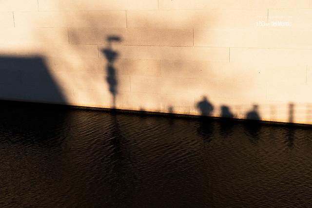 Sombras río abajo