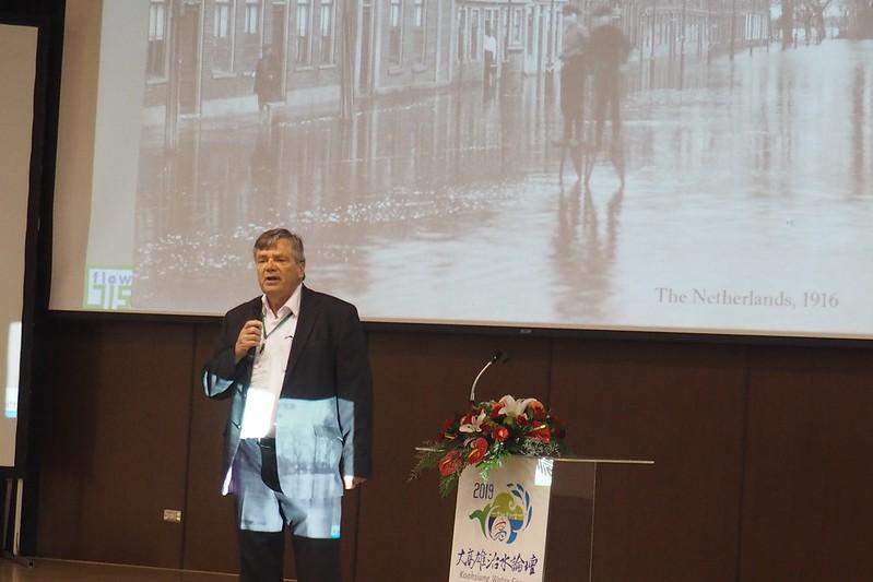 荷蘭台夫特理工大學榮譽教授Guus Stelling強調,「沒有任何一個系統可以百分百安全」。攝影:李育琴。