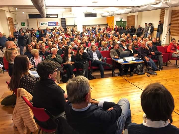 Verso le elezioni amministrative: Grande partecipazione lunedì sera al Teatrino per la presentazione della lista e del programma dei Democratici per Castello