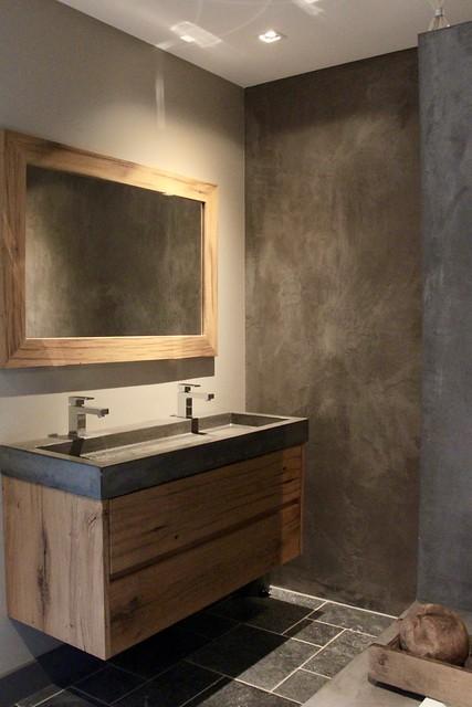 Betonciré badkamer landelijk