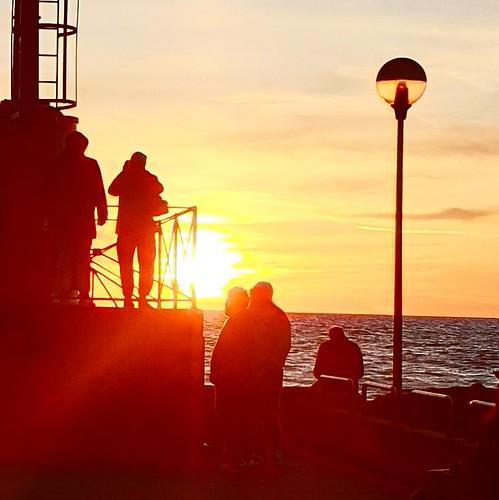 Fiumicino: tramonto sul molo