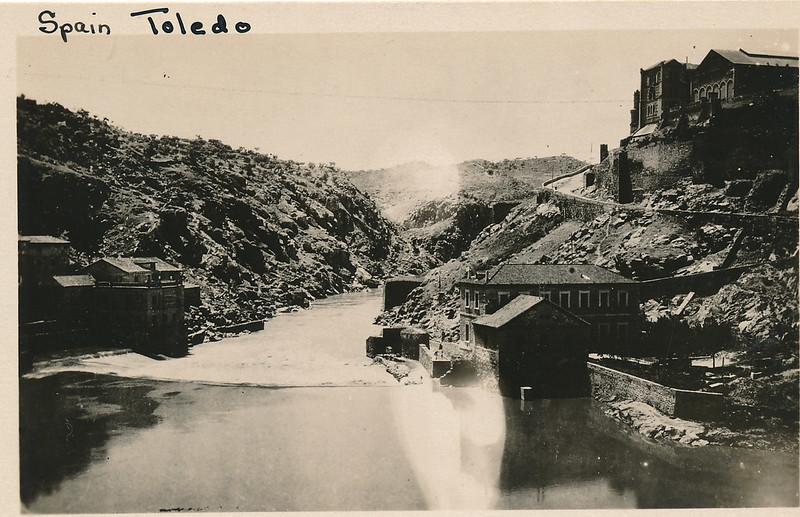 Río Tajo y Turbinas de Vargas hacia 1915. Fotografía de Edward Manuel Newman. Colección de Laura Valeriano y Paco de la Torre.