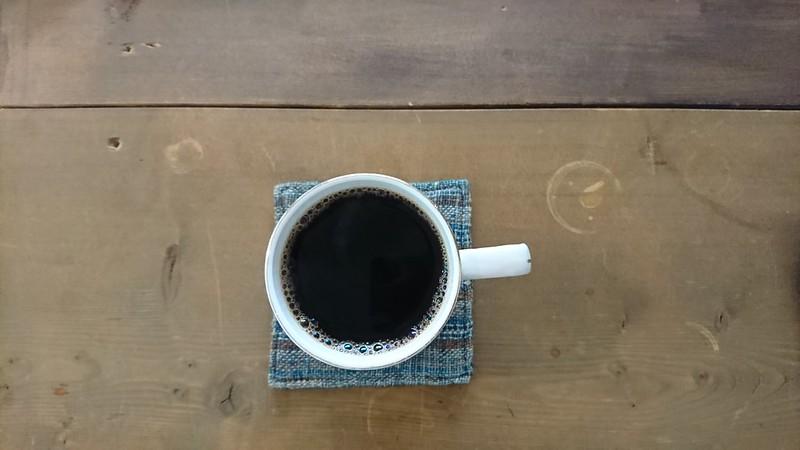 自家焙煎珈琲 喫茶 路地で頼んだマンデリンを上から撮影した写真です。