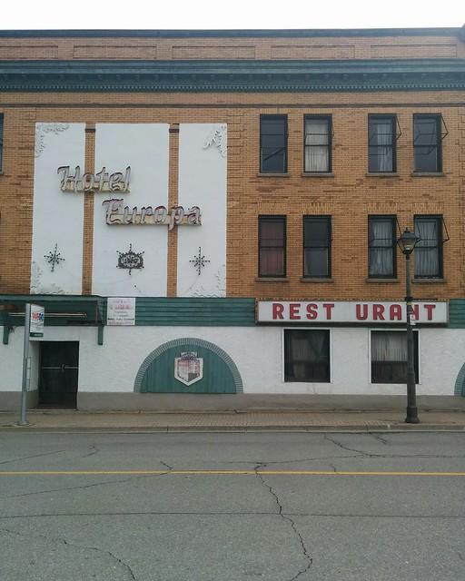 Hotel Europa, Erie Avenue side #ontario #canada #niagarafalls #hoteleuropa #bridgestreet #erieave #abandoned #latergram