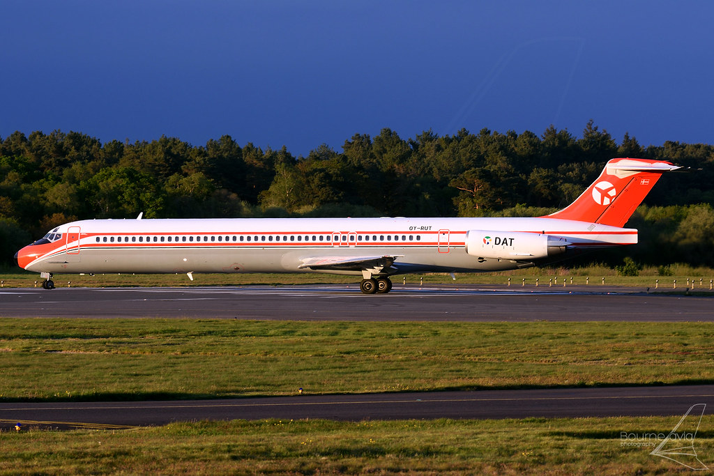 OY-RUT - McDonnell Douglas MD-82 (DC-9-82) - Danish Air Transport (DAT)