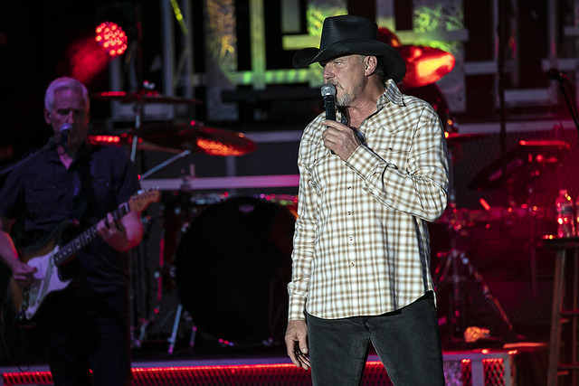 Trace Adkins (9)