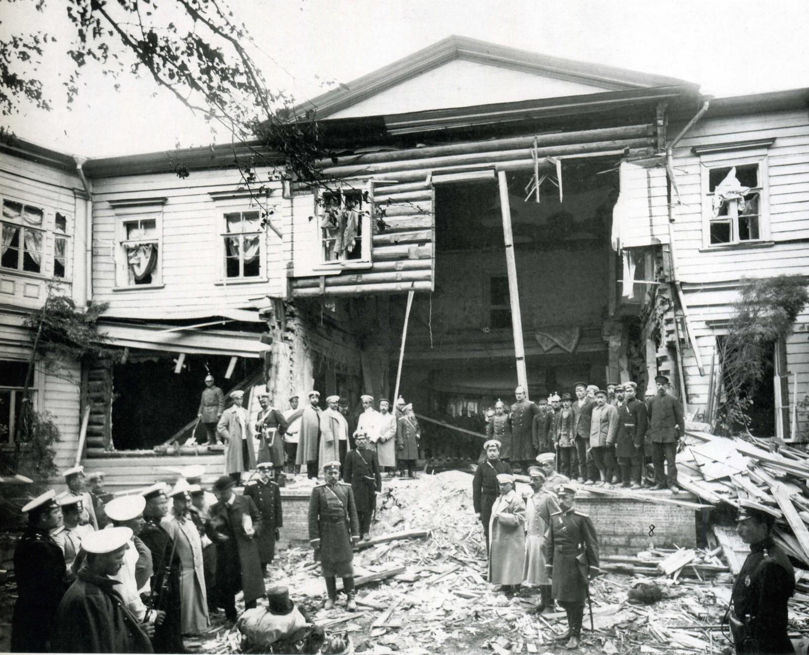 Дача П.А.Столыпина на Аптекарском острове после взрыва.12 августа 1906.