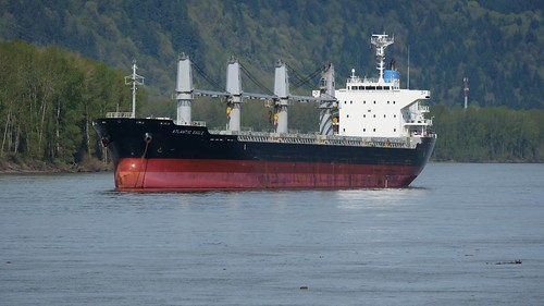 river columbia washington kalama oregon ship cargo nautical