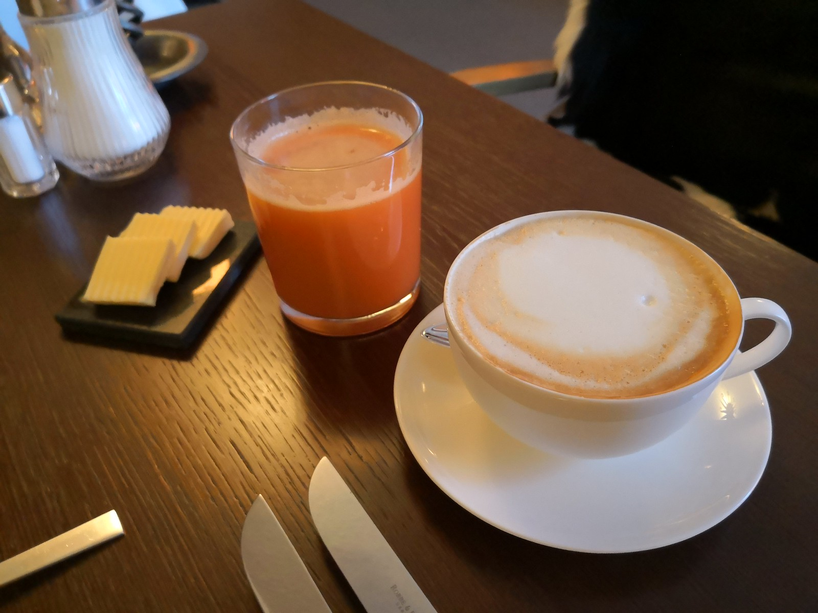 Cappuccino and apple carrot juice