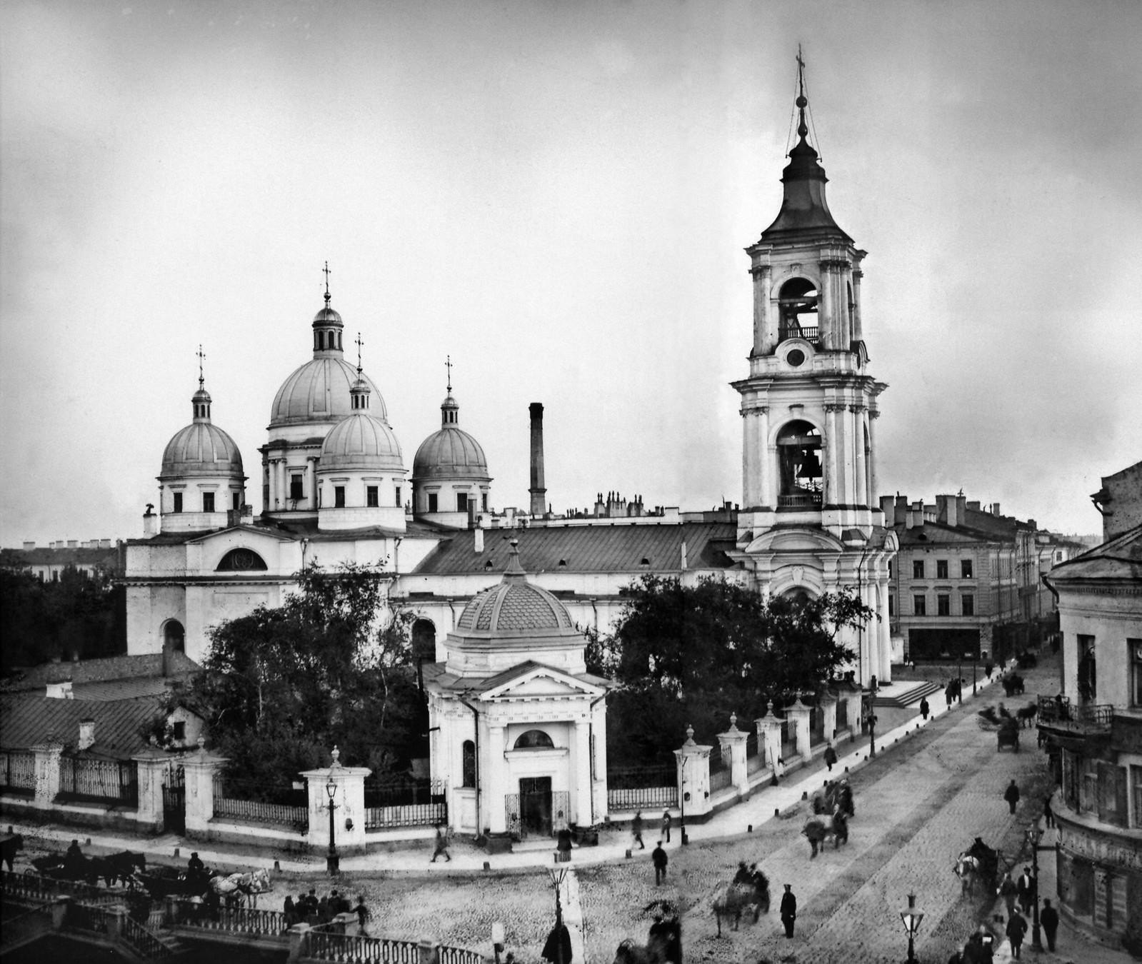 Церковь Вознесения Господня, угол Вознесенского пр. 34а и наб. Екатерининского канала