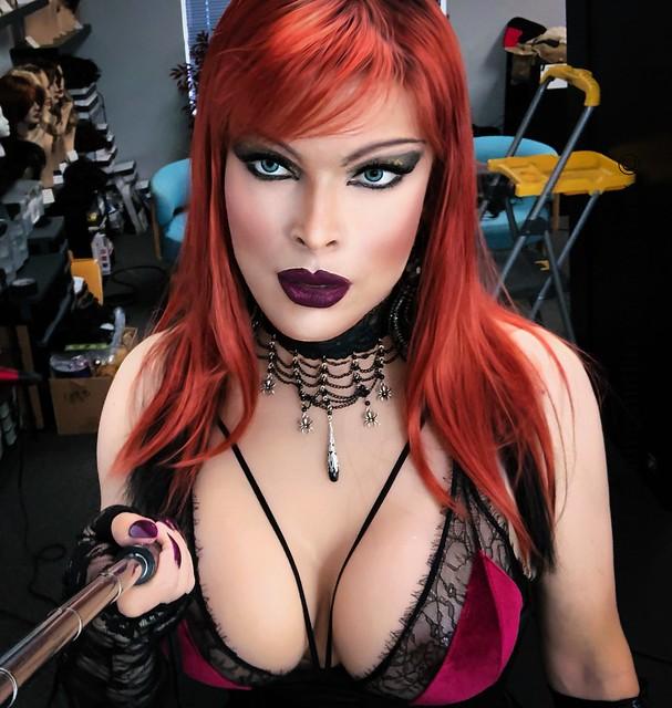 Little red bra, selfie