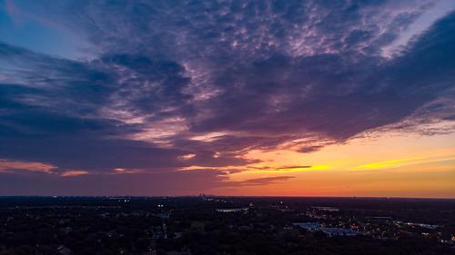 valrico florida unitedstatesofamerica sunset sunshine sky skyporn tampa tampabay tampabayarea colorful colorfulskies colorfulsky colorfulskys
