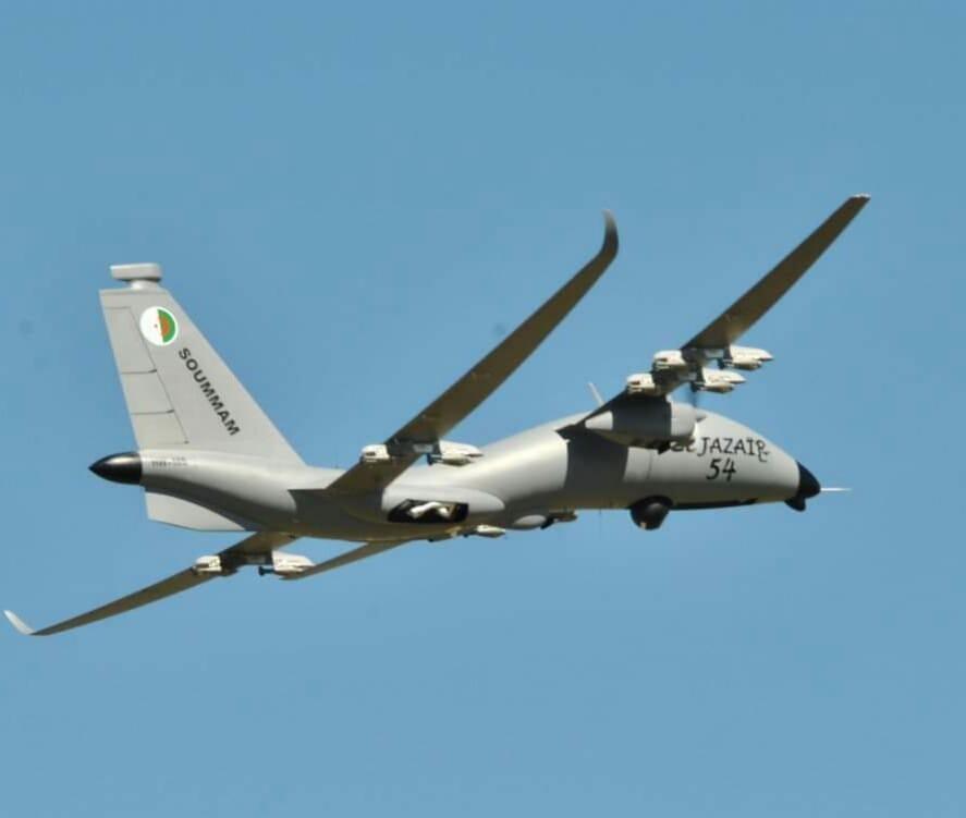 الجزائر تشغل و تصنع الطائرة بدون طيار الاماراتية [ United 40 Yabhon UAV ]  - صفحة 2 40830910763_3aa6ab94c2_b
