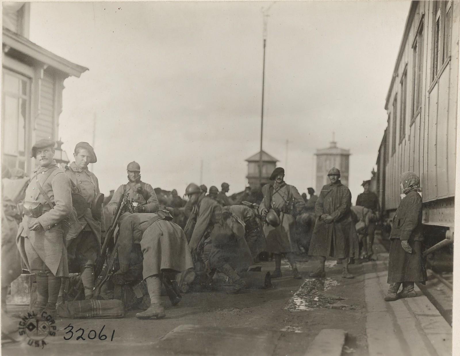 Обозерская. Французский отряд готовится атаковать большевиков